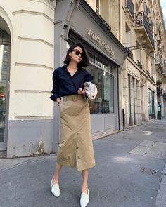 Comfy Fashion Looks To Copy Right Now Edgy Summer Fashion, Summer Fashion Outfits, Trendy Outfits, Autumn Fashion, Office Fashion, Street Fashion, Fashion Tips, Minimalist Fashion French, Minimal Fashion