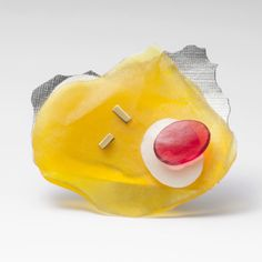 France Roy. Fragments of Yellow. Brooch. Sterling silver, resin,18k rivets.