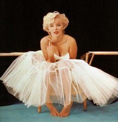 Marilyn Monroe.  One of my fav pics of her. #celebrities