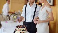 Find out the 6 things every bride forgets to do at the wedding reception on SHEfinds.com.