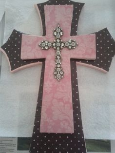 This is the DIY wall cross I made for Gabby's baptism present :) Need: wood crosses in different sizes embelleshed cross scrapbook paper Mod Podge wood glue and clear acrylic spray paint. Mosaic Crosses, Wood Crosses, Youth Group Crafts, Mod Podge On Wood, Baptism Presents, Home Crafts, Diy Crafts, Acrylic Spray, Clear Acrylic