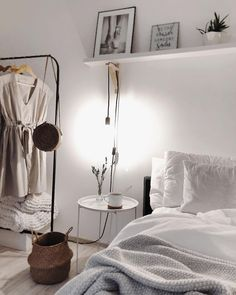 20 Astonishing White Bedroom Decoration That Will Inspire You Minimalist Bedroom Astonishing Bedroom Decoration Inspire White White Bedroom Decor, White Home Decor, Home Bedroom, Bedroom Ideas, Master Bedroom, Girls Bedroom, Budget Bedroom, Bedroom Black, Girl Rooms