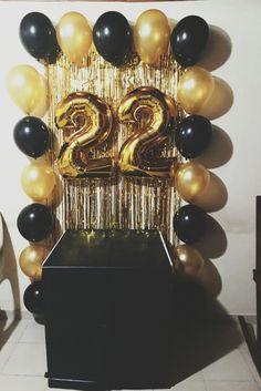 #cumpleaños #22 22nd Birthday Cakes, 18th Birthday Party, Diy Birthday, 18 Birthday Party Themes, 21st Bday Ideas, Graduation Ideas, Simple Birthday Decorations, Golden Birthday, Ideas Party
