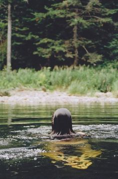 Who says outdoor swimming is just for holidays? Why not try wild swimming in England - www.wildswimming.co.uk
