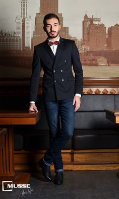Christmas outfit >> www. Christmas Time, Mens Fashion, Formal, My Style, Outfits, Moda Masculina, Preppy, Man Fashion, Suits