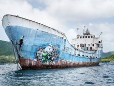 Neon Street Art - Ludo's Colorized Art is Painted on Ships, Docks and Walls in the Caribbean (GALLERY)