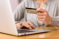 Can consumers go cashless in 2016? Credit cards, apps ease need for carrying cash