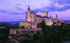 Awwwwww, where Disney  castles come from!!   Alcázar of Segovia, Spain