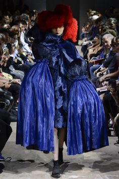 Défilé Comme des Garçons Printemps-été 2016 Figuras De La Moda 1f15019be7f