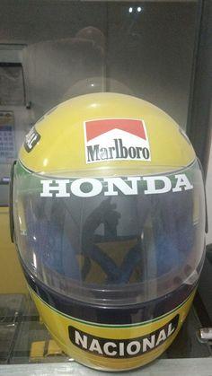 Réplica do capacete de Ayrton Senna