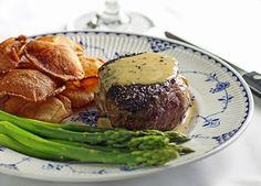 Bistrot Paul Bert Steak au Poivre and Pommes Soufflé