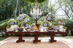 Casamento - Lia e Bruno http://www.minhafilhavaicasar.com/casamento-lia-bruno/ #wedding #casamento #azul #rosa #decoração