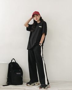 Outfits 2019 Koreanische Mode: (notitle) What Women should Wear for Office The new millennium workin Korean Fashion Styles, Korean Street Fashion, Korea Fashion, Asian Fashion, Mature Fashion, Korean Style, Ulzzang Fashion, Tomboy Fashion, Teen Fashion Outfits