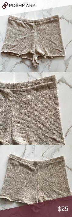 Zara Beige Knit Shorts Worn once. Mid-high rise. 60% Cotton, 40% Polyester. Zara Shorts