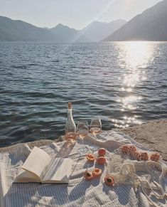 Top 10 Most Romantic Destinations in Europe – The Barefoot Explorer - Urlaub Romantic Destinations, Romantic Travel, Travel Destinations, Romantic Mood, Romantic Vacations, Travel Europe, Winter Destinations, Africa Travel, European Travel
