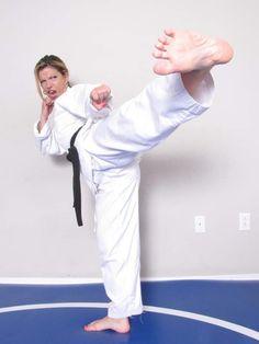 Female Martial Artists, Martial Arts Women, Karate Girl, Badass Women, Women's Feet, Barefoot, Fighter Jets, Jane Watson, Zombieland