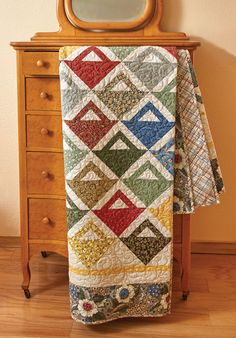 Free quilt patterns using fat quarters are the best! We adore this one! It's called Fat Quarter Baskets, by Lynette Jensen, an expert quilter who has wonderful designs. Download your free quilt pattern today!
