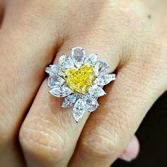 Treasure of a lifetime #yellowdiamond #ring #diamondareagirlsbestfriend #finejewelry #whitegold #vintage #beautiful #luxury#fashion#fancycolordiamond #primsgems  #Vividyellow