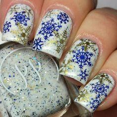 Stamping Snowflakes 13 Snowflake Nail Art Designs For Winter Makeup Tutorials Holiday Nail Designs, Winter Nail Designs, Cool Nail Designs, Snowflake Nail Design, Snowflake Nails, Snowflakes, Xmas Nails, Diy Nails, Cute Nails