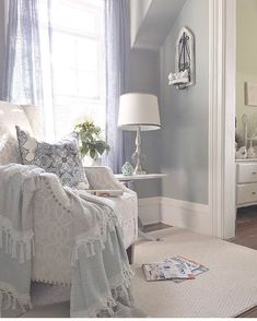 4 Free Tips AND Tricks: Coastal Bedroom Driftwood coastal glam couch.Coastal Crafts To Sell coastal table beach themes. Modern Coastal, Coastal Decor, Coastal Industrial, Coastal Rugs, Coastal Style, Tips And Tricks, Upcycled Furniture Before And After, Cottage Curtains, Coastal Chandelier
