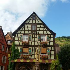 11 mooie dorpjes in de Elzas – valiezen Places In Europe, Places To Go, Camper, House Colors, Travel Guide, Beautiful Places, Road Trip, Cabin, France