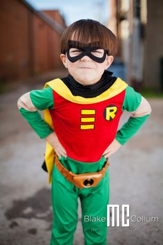"""Photographed """"Robin"""" today.... we fought some crime... (Amory, MS)"""