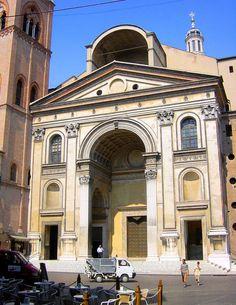 Построенная по проекту Альберти церковь Сант-Андреа в Мантуе имеет в своей основе Витрувианские пропорции, как в плане, так и на главном фасаде.