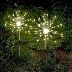 The solar garden light is powered by a solar panels and can be used as decoration to give a sparkly mood to your garden parties. The flexible branches can be shaped as desired. Features: Creative solar garden lights - DIY your favorite shapes such as flowers, trees, fireworks, Ferris wheels, hearts, spirals, spheres, etc Waterproof and long working time - The poles are made of stainless steel and high-quality plastic, The IP65 waterproof lights easy to cope with bad weather Build with automatic Garden Lighting Diy, Outdoor Lighting, Outdoor Decor, Outdoor Solar Fairy Lights, Diy Luz, Warm White Fairy Lights, White Light, Starburst Light, Solar Licht