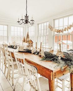 Get inspired by these dining room decor ideas! From dining room furniture ideas, dining room lighting inspirations and the best dining room decor inspirations, you'll find everything here! Dining Decor, Dining Room Design, Dining Room Table, Conservatory Dining Room, Dining Room Windows, Dining Sets, Luxury Dining Room, Christmas Table Settings, Christmas Home