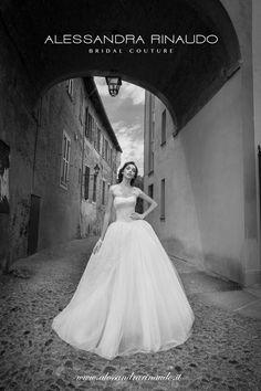 Scarlet http://www.alessandrarinaudo.it/it/ #nicolespose #weddingdress