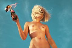 Female Artist Photographs 100 Naked Women To Show The Power Of A Strong Nude Photo (NSFW)