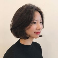 Pin on Hair cut ideas Pin on Hair cut ideas Korean Perm Short Hair, Medium Short Hair, Medium Hair Cuts, Girl Short Hair, Medium Hair Styles, Short Hair Styles, Pretty Hairstyles, Girl Hairstyles, Cute Bob Haircuts