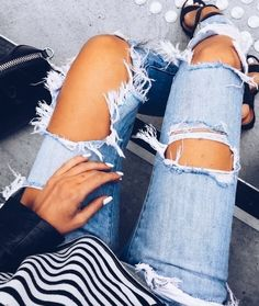 The latest fashion trends & style advice. See the best designer & high-street shopping catwalk fashion red carpet & celebrity style options for you. Spring Summer Fashion, Spring Outfits, Autumn Fashion, Fashion Outfits, Womens Fashion, Latest Fashion, Fashion Trends, Outfit Goals, Boyfriend Jeans