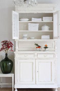 cabinet white. #White
