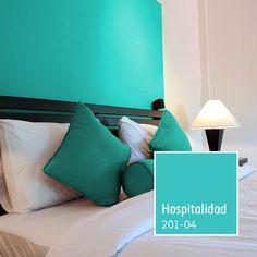Crea el cuarto de huéspedes perfecto decorándolo con un color amigable y acogedor.