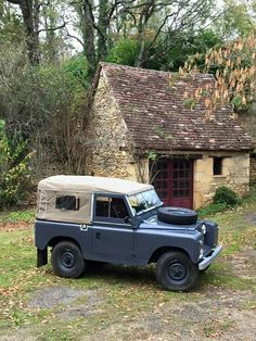 Land Rover 88 Serie IIA Soft Top Canvas in the best place for life. Lobezno.