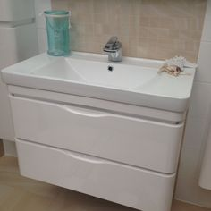'D' white gloss wall hung 800mm vanity unit with 2 drawers. Matching tall boy units available