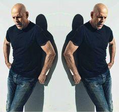 Bruce Willis, por Norman Jean Roy