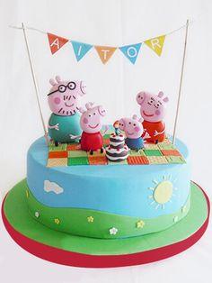 ae 39558 Peppa Pig is really a British preschool lively Tortas Peppa Pig, Bolo Da Peppa Pig, Peppa Pig Birthday Cake, 3rd Birthday, Peppa Pig Cakes, Aniversario Peppa Pig, Peppa Pig Family, Family Cake, Pig Party