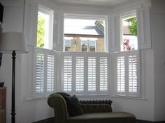 Remarkable Windows Bay Design And Accessories Inspiration Photos: Inspiring White Plantation Shutters Ideas With Wood Window Coverings As Inspiring Windows Bay Treatments As Well As Lovely Fabric Chaise Lounge Sofa In White Room Decors Interior Window Shutters, Interior Windows, Shutters For Bay Windows, Wooden Shutters Indoor, Window Shutters Inside, Modern Shutters, Blinds For Windows, Windows, Houses