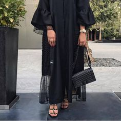 Iranian Women Fashion, Arab Fashion, Muslim Fashion, Modern Hijab Fashion, Modest Fashion, Fashion Dresses, Fashion Shoot, Abaya Designs, Hijab Mode Inspiration
