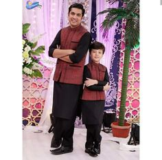 Awwww same same Sherwani For Men Wedding, Wedding Men, Dad Son, Father And Son, Half Saree Function, Pakistani Actress, Famous Celebrities, Classic Collection, Indian Designer Wear