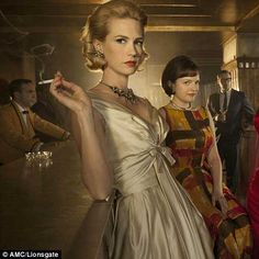 January Jones as Betty Draper in Mad Men Betty Draper, Don Draper, Mad Men Party, Mad Men Fashion, Fashion Tv, 1960s Fashion, Vintage Fashion, Christina Hendricks, Mad Men Mode