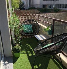 New small apartment patio decor tiny balcony chairs ideas Small Balcony Design, Small Balcony Garden, Small Balcony Decor, Outdoor Balcony, Patio Design, Outdoor Decor, Garden Design, Small Balcony Furniture, Small Balconies