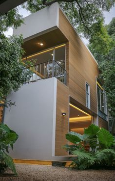 Sustainable House in Mexico Offers Flexible Living Space - http://freshome.com/sustainable-house-mexico/