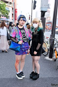 Aqua Dip Dye vs Blue Hair & Gun Tights vs Flame Tights in Harajuku Aqua Dip Dye vs Short Blue Hair in Harajuku – Tokyo Fashion News