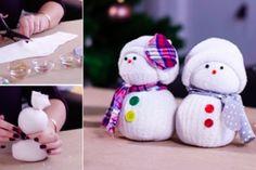 Petits bonhommes de neige en chaussettes