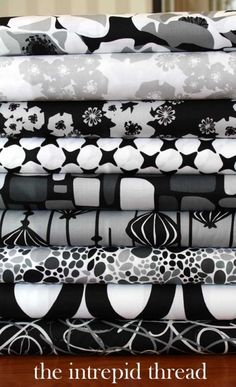 Poppy Modern - Fat Quarter Bundle in Black and White