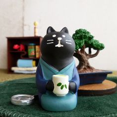 Tracking DECOLE Concombre Smartphone Stand Black Cat Kitty Figure Resin Japan