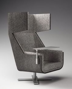 Office Furniture BuzziMe - the ideal cocoon chair to spend some time on your own Office Furniture, Cool Furniture, Modern Furniture, Furniture Design, Office Chairs, Space Interiors, Office Interiors, Soft Seating, Take A Seat